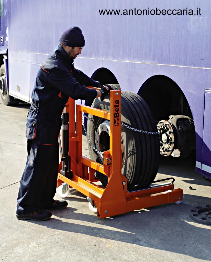 3008 030080100 3008 Beta Sollevatore e posizionatore ruote Truck singole e gemellari 1