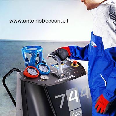 Texa R744 Konfort per gas CO2 immagine operatore