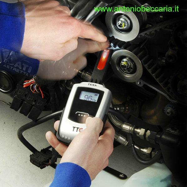 Texa TTC Tester Tensione Cinghie per Motocicli immagine operativa